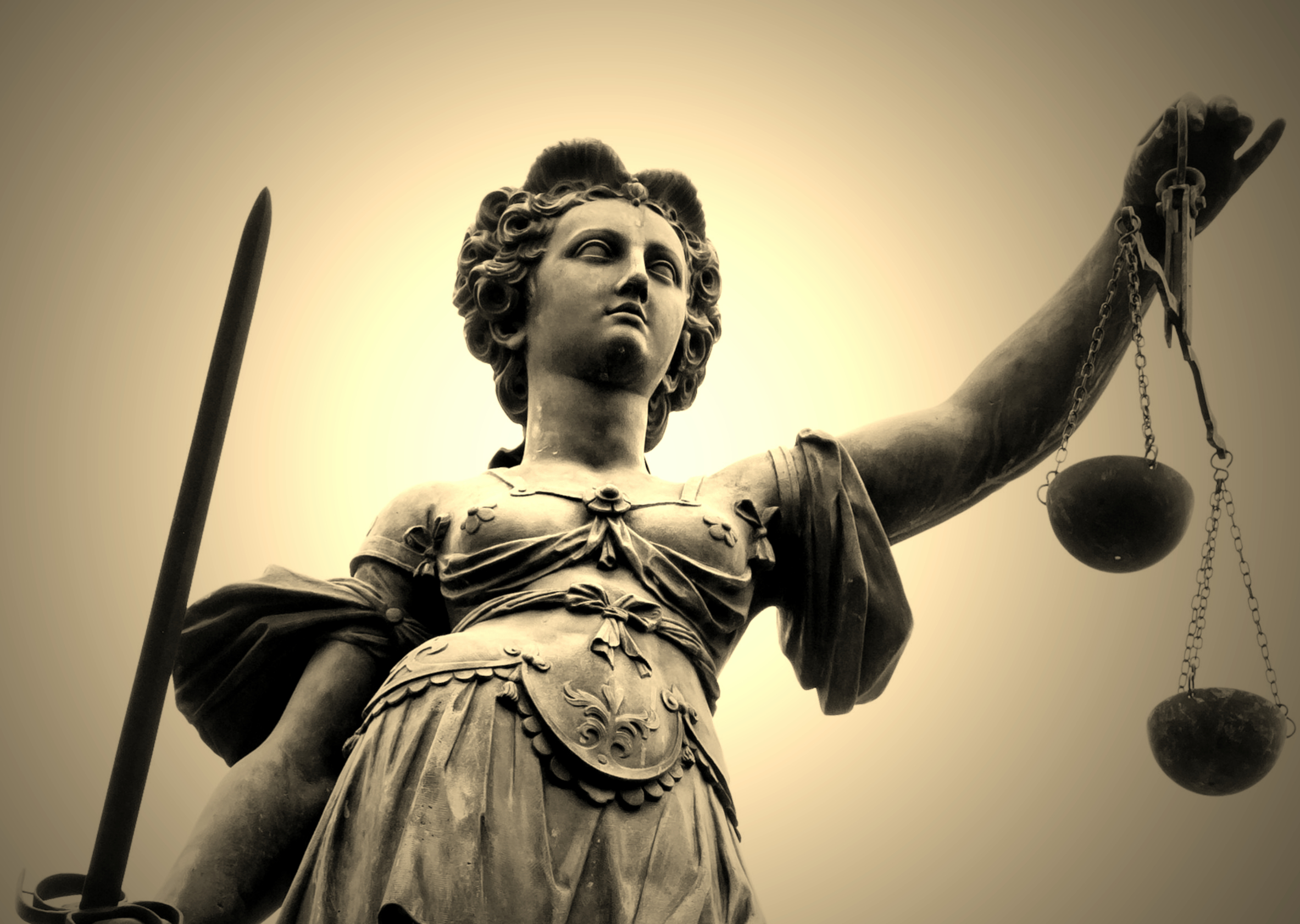 LadyJustice_Fotor