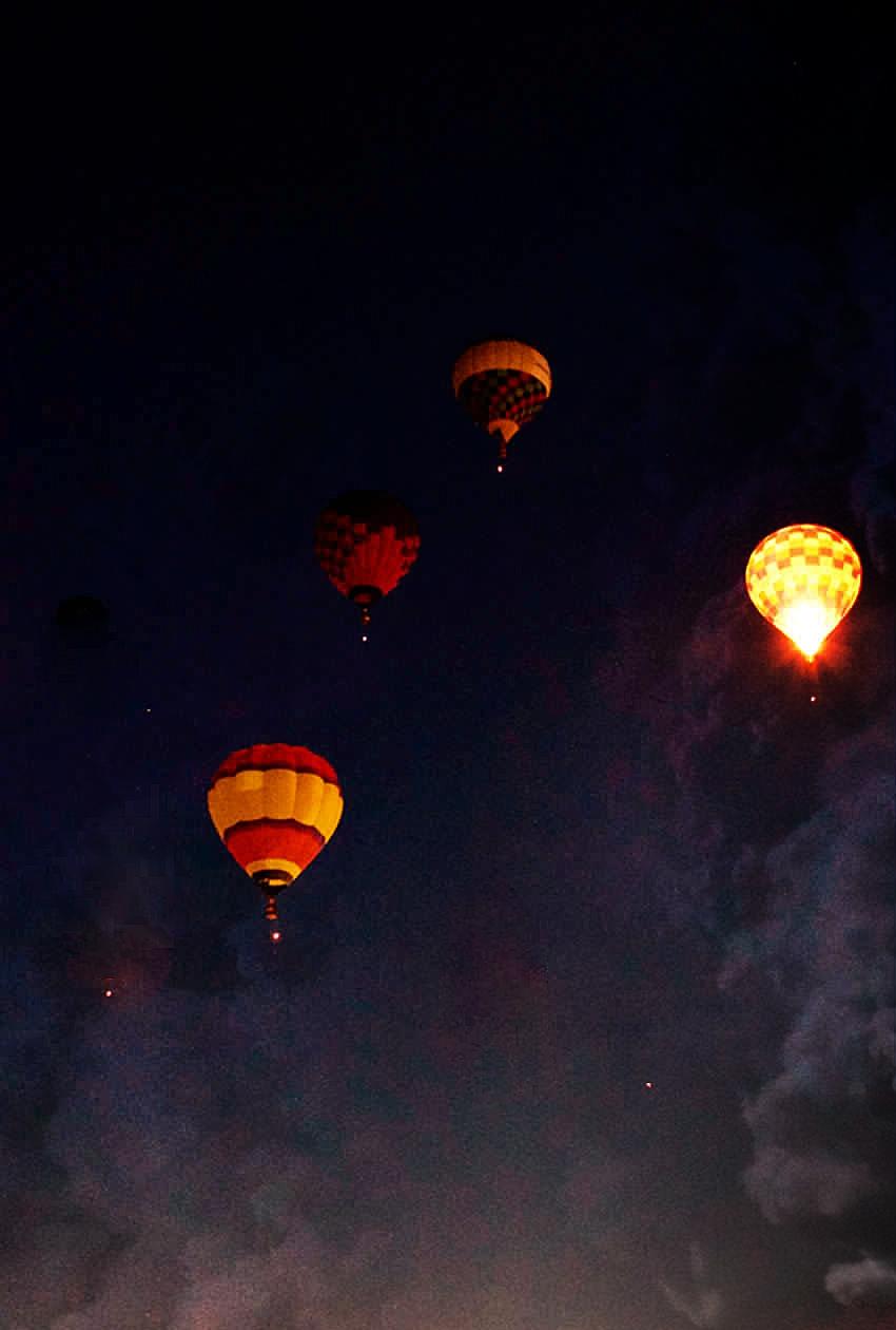 balloons-at-night3